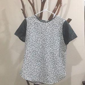 Ann Taylor black/white blouse sz small